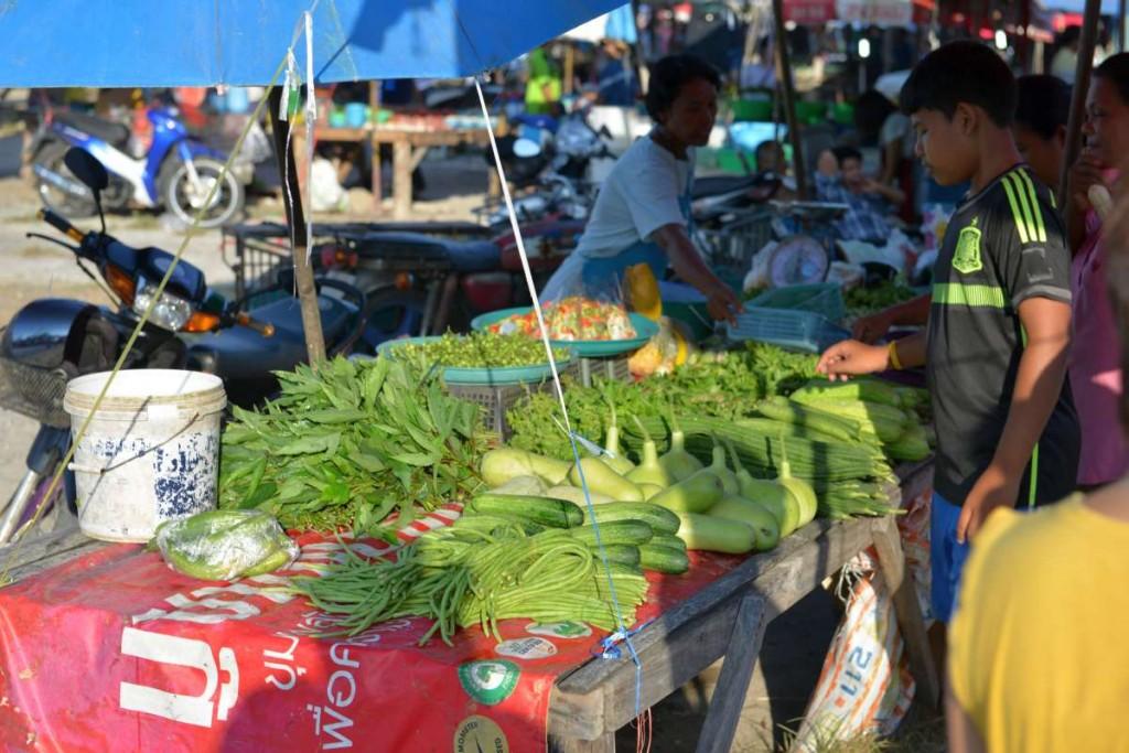 nai_yang_beach_market_0011