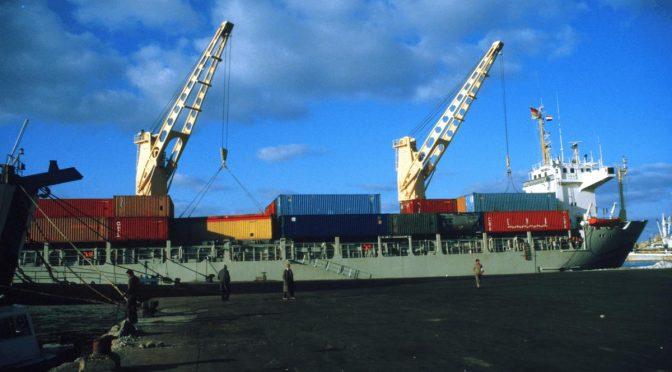 Containerschiffsegeln